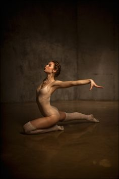 Untitled by Tatiana Mikhina #photography #ballet #dance ♥ Wonderful! www.thewonderfulworldofdance.com
