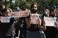 Protesta en acto de EPN La Jornada  Foto