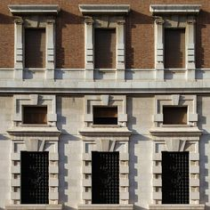 #banca d'#Italia of the #thirties | when the #architectural #language of a #bank #represents the #fortification | #stone #base and #brick #elevation [[[ #facade #project ]]] {{{ #Bari #architecture }}}