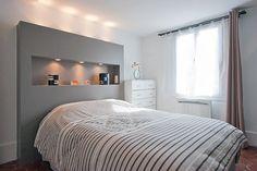 La tête de lit a pour fonction de mettre en valeur le lit, tout en habillant la chambre et en restant pratique. La mission est accomplie avec ces modèles que l'on s'empresse de copier.