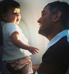 Such a cute pic of Indian Cricket Team Captain M S Dhoni with  daughter Ziva .. #indian #indiancricketteam #msdhoni #teamindiacaptain #msdhoni7 #mumbai #delhi #kolkata #gurgoan #surat #zivadhoni #fashiongram #fashionstyle