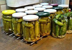 Zavařujeme (sterilujeme), nakládáme zeleninu - ty nejlepší recepty na zpracování zeleniny na jednom místě! | ReceptyOnLine.cz - kuchařka, recepty a inspirace Pickles, Cucumber, Recipes, Food, Fine Dining, Syrup, Rezepte, Essen, Pickling