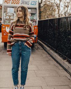 BDG Mom Vintage Dark Blue Jeans | Urban Outfitters | Women's | Bottoms | Jeans via @sarahmantelin #UOEurope #UrbanOutfittersEU #UOonYou