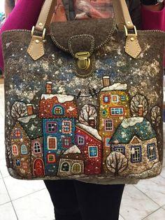 Natali Gurinoj from Kostromy felt houses on a purse/bag Работа Натальи Гуриной из Костромы Patchwork Bags, Quilted Bag, Bag Quilt, Sacs Tote Bags, Felt Purse, Felt Bags, Embroidery Bags, Penny Rugs, Felt Applique
