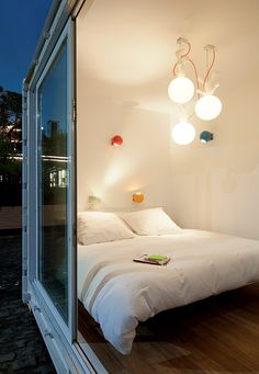 Sleeping around container house