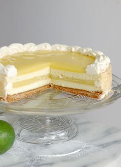 Lime Layered Cheesecake A New Take On Layer Cake Baking Sense, No Bake Lemon Cheesecake with Jello Recipe Sweet and Savory Meals, Lemon Desserts, Lemon Recipes, Köstliche Desserts, Delicious Desserts, Dessert Recipes, Banana Recipes, Picnic Recipes, Health Desserts, Slow Cooker Desserts