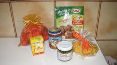 Box #29 Italie --> Afrique du Sud - « Cuneo » au rhum (chocolats) (chocolates with rum) - Préparation sauce pour « polpette » [recette ici] (kit sauce for polpette (traditional)) - « Panna » crème pour cuisiner (cooking custard) - « Capperini » (mini capres) ( mini capres) - Biscuits de « polenta » (polenta biscuits) - Sauce tomate au « pesce spada » (espadon) ( swordfish flavoured tomato sauce)