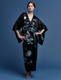 PRINTED SILK JACQUARD FULLY LINED KIMONO BLACK AND GREEN Feminine and  charming d540659d3