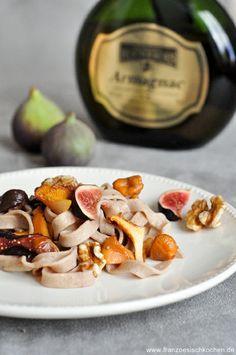 Hausgemachte Kastaniennudeln mit Armagnac-Feigen-Pfifferlig-Sauce)