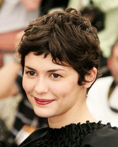 Short Hairstyle Gallery: Hollywood Actresses Who Chopped Their Locks Cool Short Hairstyles, Top Hairstyles, Short Pixie Haircuts, Hair Pictures, Hair Dos, Hair Inspiration, Curly Hair Styles, Hair Beauty, Makeup
