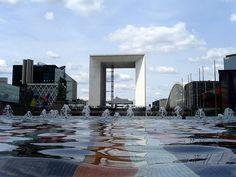 El Gran Arco de la Fraternidad. Arco de la Défense. París. Francia.