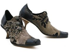 The Cydwoq Ligneous is an eyeful of gorgeousness! (And, hello, steampunk lovers, this one has your name on it!) xo, Ped Shoes.