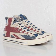 Converse Chuck Taylor  ..do they have these in American flag for the 4th! Cute.