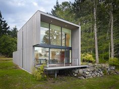 Gallery of Doe Bay Cabin / Heliotrope Architects - 1