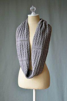 Free Universal Yarn Pattern : Ellery Reversible Cowl