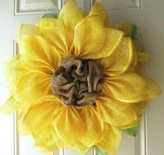 Trendy Tree Tutorial for Yellow Paper Mesh, Pencil Wreath, Wired Roping, Tinsel Flex Tubing Burlap Crafts, Wreath Crafts, Diy Wreath, Wreath Making, Wreath Ideas, Small Wreath, Deco Mesh Wreaths, Door Wreaths, Burlap Wreaths