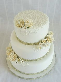 50th wedding anniversary cake serving set 314x420 - Enchanting 50th Wedding Anniversary Cake Ideas Inspirations You Must See -  First thing first: congratulation on your 50th wedding anniversary! Well, it is indeed a great job to get this far—fifty years together!—with all ...