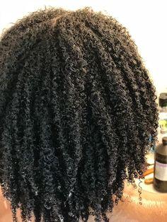 Newest Free Afro Hair Care Ideas, Freshly Washed Natural Hair # . Natural Hair Types, Curly Hair Types, Curly Hair With Bangs, Pelo Natural, Natural Hair Textures, Natural Black Hair, Natural Hair Weaves, Au Natural, Undercut Pixie