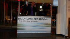 DJ München Chris Bernard am Mischpult - Firmenfeier bei BMW - Audi - mobiler Event DeeJay - Lounge Musik - get to gether auf einer Messe