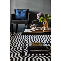 Classic Collection Hand-Woven Black Area Rug