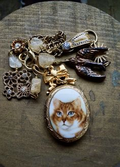 Remembering Nelson: The Keepsake Locket Assemblage Necklace - Welcome to Vault 31 Jewelry Designs #catnecklace #animalshelter Cute Jewelry, Modern Jewelry, Bling, Cat Necklace, Handmade Copper, Gifts For Pet Lovers, Vintage Rhinestone, Handmade Necklaces, Boho Style