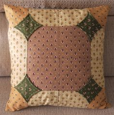 Patchwork Quilt, Patchwork Cushion, Quilted Pillow, Diy Pillow Covers, Cushion Covers, Bed Runner, Quilt Festival, Cat Pattern, Christmas Pillow