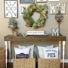 Vintage Farmhouse Decor 30 Cozy Farmhouse Living Room Decor and Design Ideas - Farmhouse style is so cozy! It's perfect for families as it creates a wonderful atmosphere. A living room that is a family room is created . Apartment Decoration, Entryway Decor, Wall Decor, Boho Home, Farmhouse Chic, Farmhouse Design, Farmhouse Interior, French Farmhouse, Shabby Chic Furniture