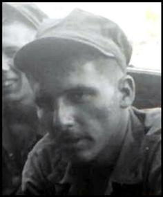 Virtual Vietnam Veterans Wall of Faces | LEONARD R SAINT CLAIR | MARINE CORPS