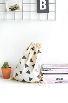 DIY | triangle stamped bag