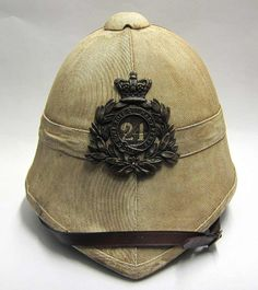 Rorke's Drift south afica zulu Pith Helmet has a beautiful military crest, leather strap, and is surely the envy of any at a steampunk convetion Pith Helmet, British Colonial Style, Colonial India, Army Uniform, Military Uniforms, British Uniforms, Toy Soldiers, British Army, British History