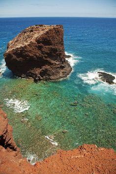 ✮ Hawaii, Lanai - Hulopoe Bay, View of Pu'u Pehe Rock (Sweetheart Rock)