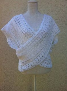 cache-cœur blanc , monochrome, réalisé au crochet : Pulls, gilets par sandrine-campana