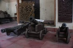 Cannon of the Portuguese in 1527 making many gledekan placed on the floor Kasepuhan Palace Museum of Antiquities.