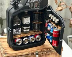 mini bar jerry can camping picnic fuel canister NEW man cave handmade metal best men's gift - Geldgeschenke - Mini Bars, Mens Bday Gifts, Astuces Camping-car, Jerry Can Mini Bar, Home Bar Accessories, Deco Originale, Best Gifts For Men, Men Gifts, Best Man Gift Ideas