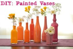 This painted bottle vase DIY is perfect for upcoming weddings, or adding a pop of color in your house. They are incredibly easy to make, yet these vases look. Bottle Painting, Diy Painting, Diy Painted Vases, Painted Bottles, Modern Wedding Centerpieces, Wedding Tables, Jar Centerpieces, Centerpiece Ideas, Decoracion Low Cost