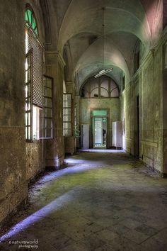 corridor of pain. by Regi Itten on 500px
