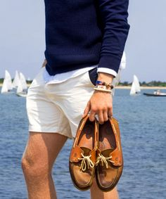 54 Best Boat Shoes Fashion Style Ideas for Men - Bellestilo Preppy Mens Fashion, Look Fashion, Fashion Shoes, Preppy Style Men, Frat Style, Men Fashion, Fashion Ideas, Guy Style, Fashion Guide