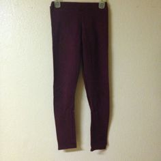 brandy melville maroon leggings super cute and versatile leggings. great condition with no pilling. size small. Brandy Melville Pants Leggings