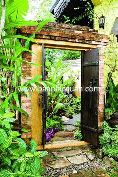 วัสดุธรรมชาติถือเป็นตัวหลักในบ่งบอกเอกลัษณ์ความเป็นสวนบาหลีเข้าไว้ด้วยกัน