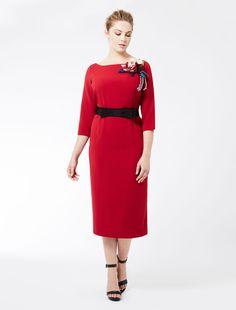 Marina Rinaldi DAISY rouge: Robe fourreau avec fleur en soie.