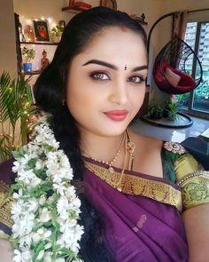 Indian Long Hair Braid, Braids For Long Hair, Very Beautiful Woman, Cute Beauty, Curvy Women, Girl Photos, Candid, Desi