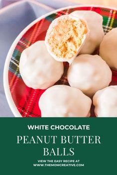 White Chocolate Peanut Butter Balls Recipe - This is a Christmas cookie recipe favorite. The best part? It's no bake and makes approximately 30 balls. #yum #christmas #christmascookie