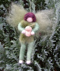 The Enchanted World Of Needle Felting and Crafts by softearthart Wool Felt, Felted Wool, Waldorf Crafts, Wet And Dry, Acorn, Needle Felting, Arts And Crafts, Unique Jewelry, Christmas Ornaments