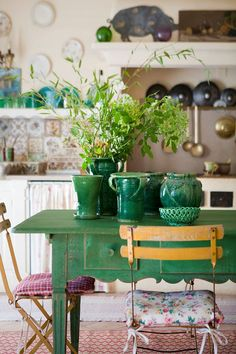 Sacred Dwellings - old interior, decoration: kitchen, table, green - Cottage Kitchens, Home Kitchens, Cozy Cottage, Cottage Style, Table Verte, Cozinha Shabby Chic, Home Living, Vintage Kitchen, Interior Inspiration