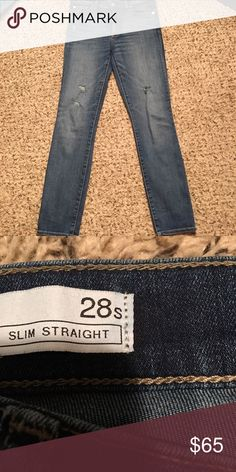 EUC/Like New (wore 2 times)...Gap 1969 jeans EUC/Like New (only wore maybe 2 times)...Gap 1969 jeans ..slim straight...size 6/28S (short I believe).. GAP Jeans Straight Leg