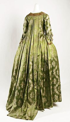 Dress (image 3) | French | 1750 | silk | Metropolitan Museum of Art | Accession Number: C.I.43.90.51a, b