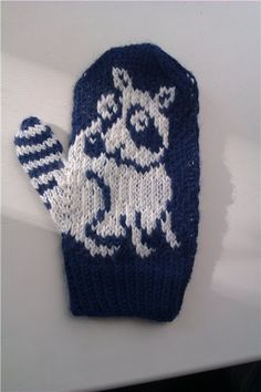 Clever knitted mitten. :)