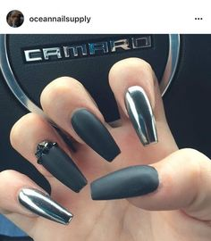 Both long nails and short nails can be fashionable and beautiful by artists. Short coffin nail art designs are something you must choose to try. They are one of the most popular nail art designs. Black Chrome Nails, Black Acrylic Nails, Black Coffin Nails, Black Nail Art, Black Nail Designs, Nail Art Designs, Chrome Nails Designs, Hair And Nails, My Nails