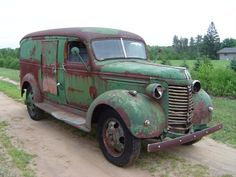 """1940 Chevy one ton Panel Truck. Much like the Intl """" magic bus"""". Chevrolet Trucks, Chevy Trucks, Pickup Trucks, Hot Rod Trucks, Cool Trucks, Classic Trucks, Classic Cars, Station Wagon, Panel Truck"""