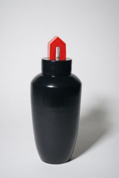 ceramic urn 'Red House' black red glaze | Bep Broos